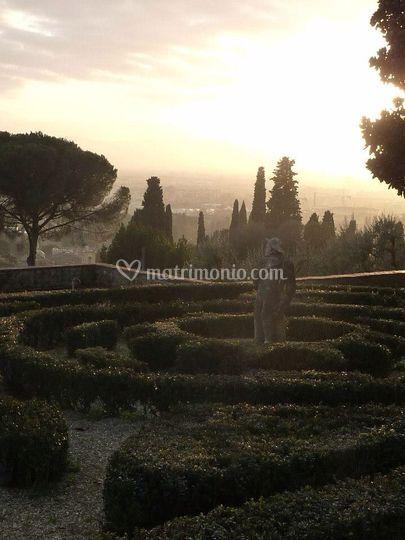 Villa le fontanelle - Giardino all italiana ...