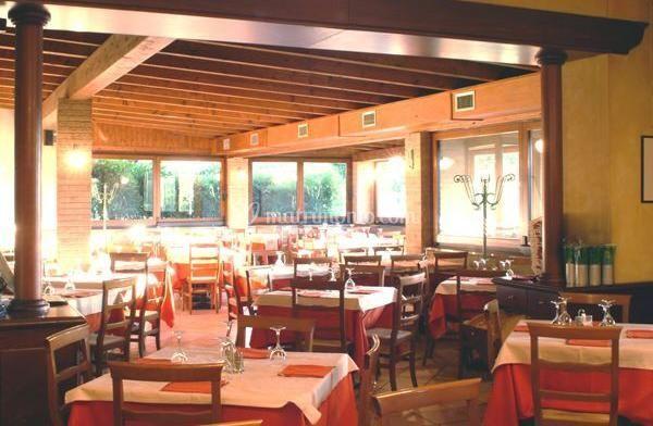 Al Capolinea: salone ristorante