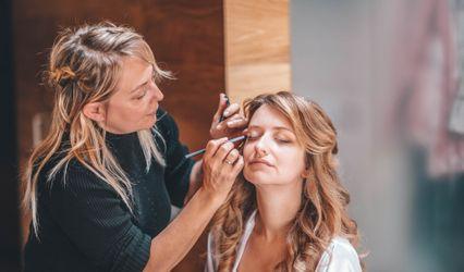 Elenas Lima Hairstyle Makeup 1