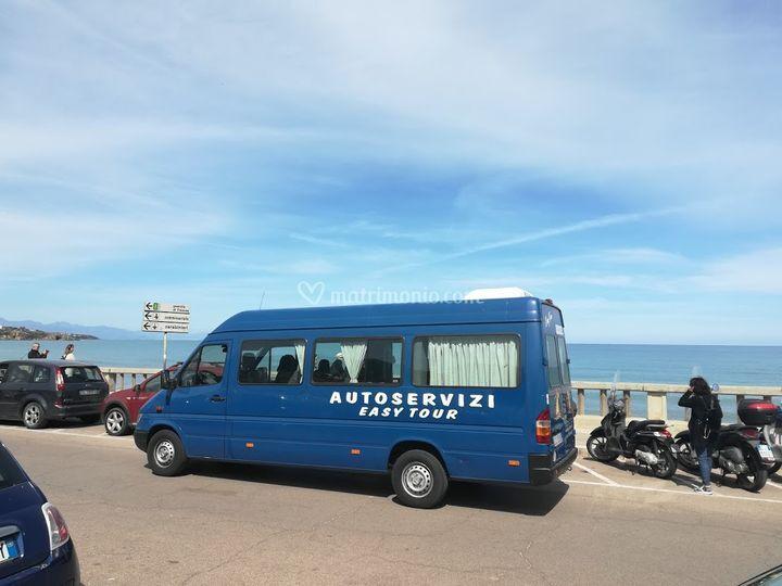 Minibus tetto alto