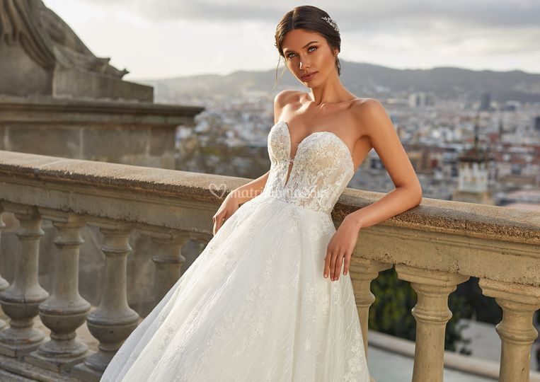 Sue, Pronovias Privee
