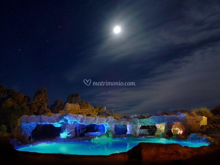 Nuova piscina-2015 notturno