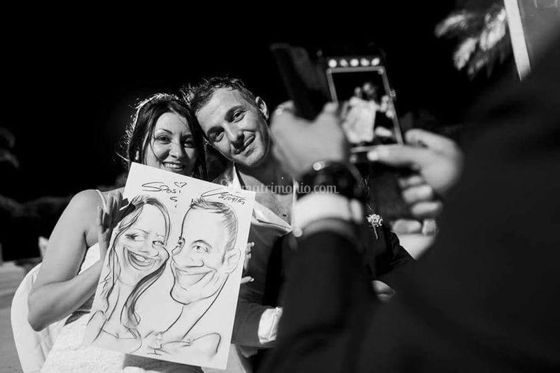 Foto agli sposi con caricatura