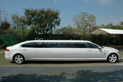 Limousine nuziale