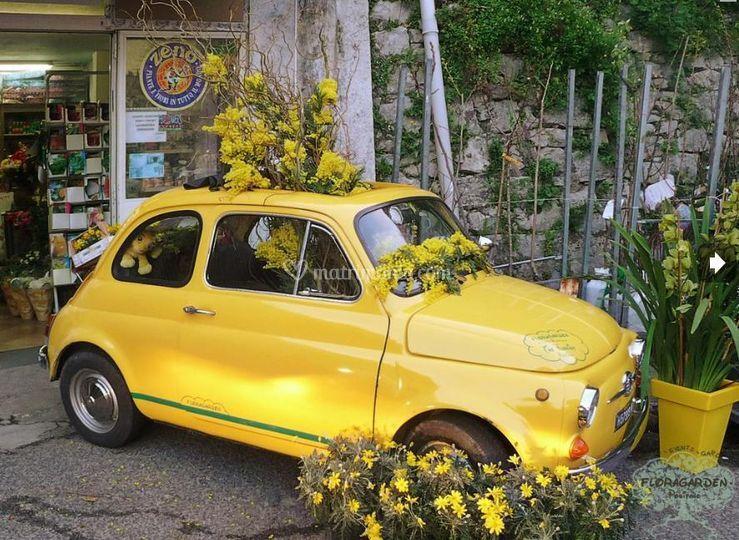 Addobbo floreale auto