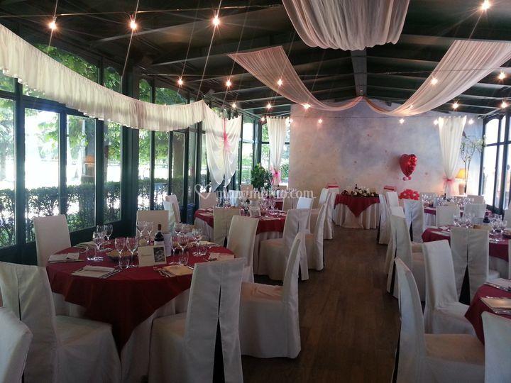 Matrimonio In Rosso : Matrimonio in rosso di ristorante il fauno foto