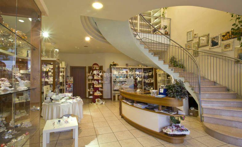 Il negozio, 150 mq esposizione