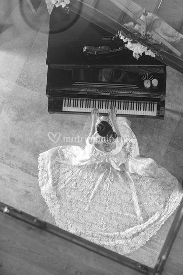 Sposa al pianoforte
