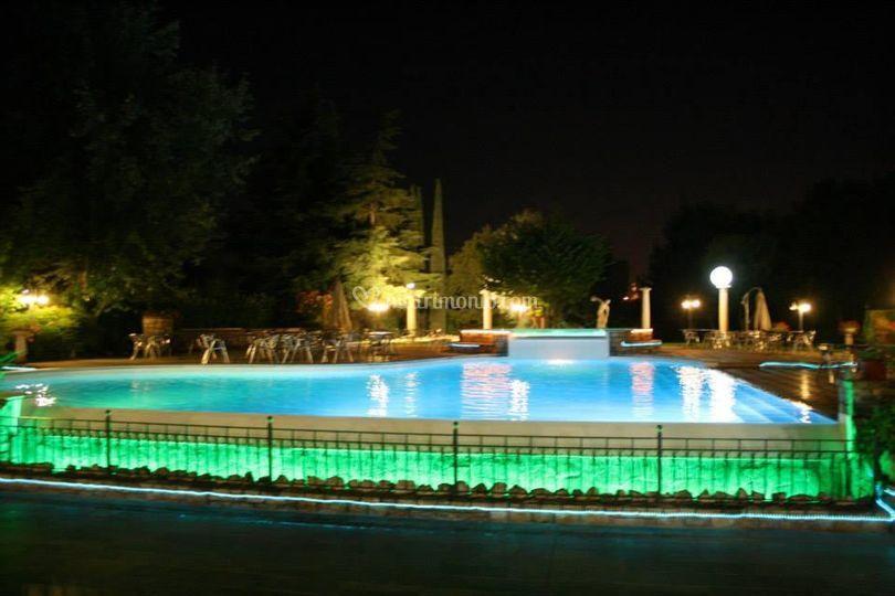 Piscina al chiaro di luna di green park villa boschetti foto 8 - Piscina montichiari ...
