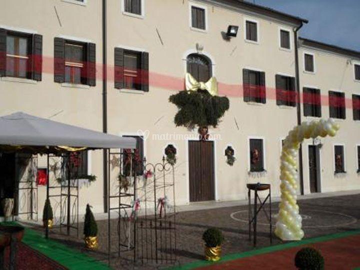 Esterno villa con palloncini