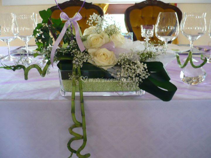 Centrotavola rose bianche