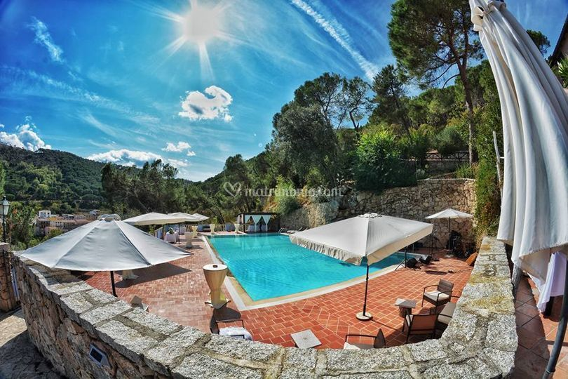 Panoramica sulla piscina