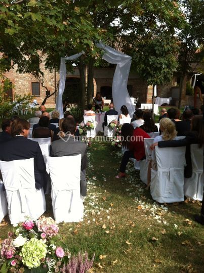 Matrimonio civile all'aperto
