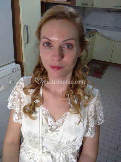 Prima del trucco sposa