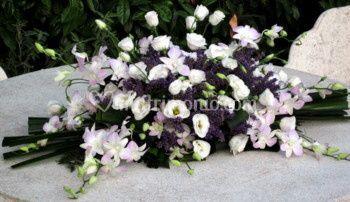 Lavanda blu, lysiantus ed orchidee