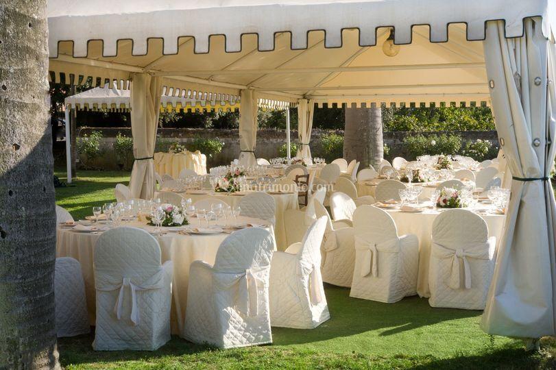 Allestimento giardino pensile di park hotel villa grazioli for Allestimento giardino