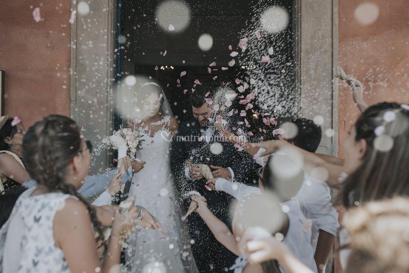 Matrimonio lancio riso