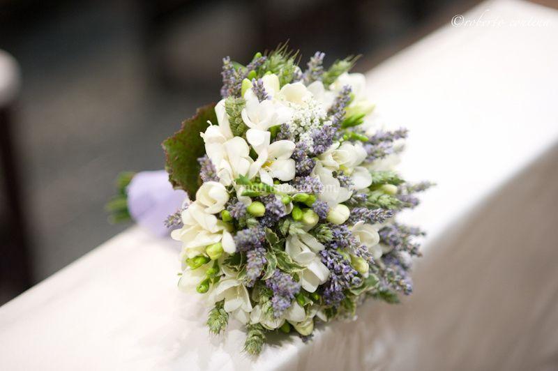Bouquet Sposa Lavanda E Margherite.Mrs Popples Garden
