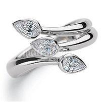 Gioiello in oro bianco e diamanti