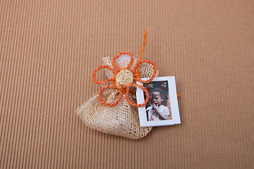 Bomboniera fiore camaro