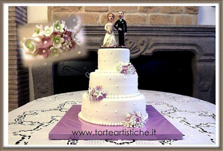 Torta nuziale lilla