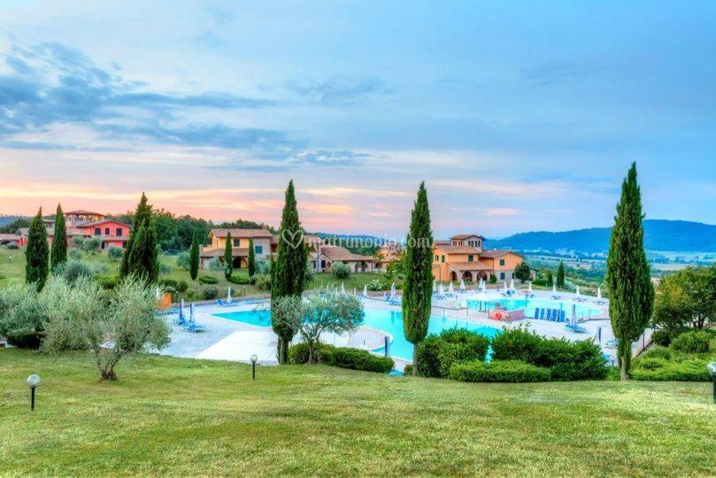 Paesaggio con piscine