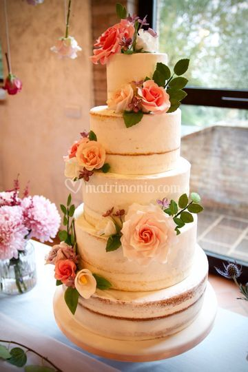 Iced cake& sugar flowers
