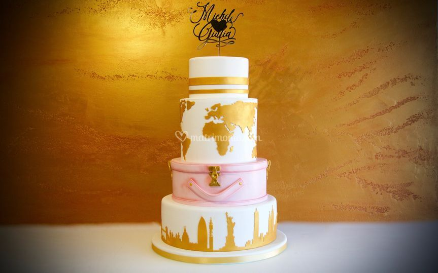 Gold&travel wedding cake