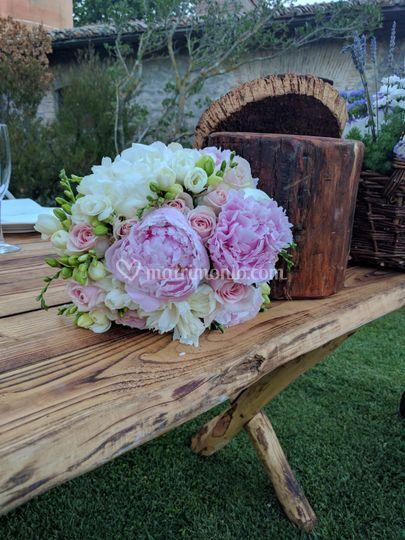 Bouquet peonia e frasia