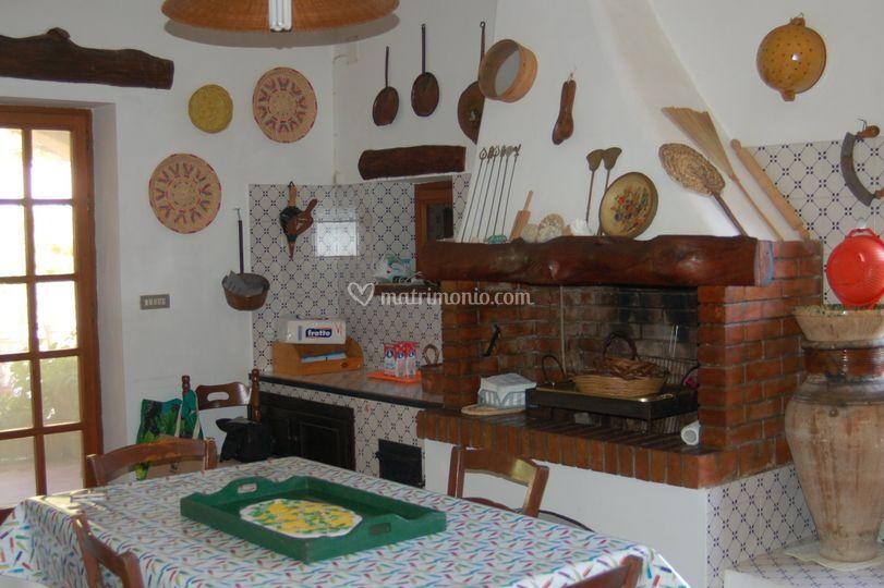 Cucina con camino di Villa Rustica Tartaruga | Foto 11