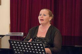 Caterina Pistone - Soprano & Pianista