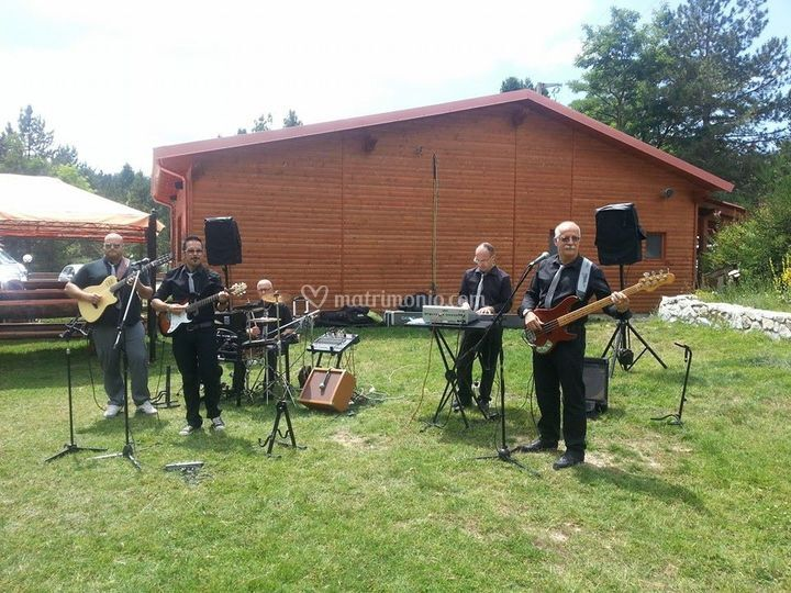 Band in giardino