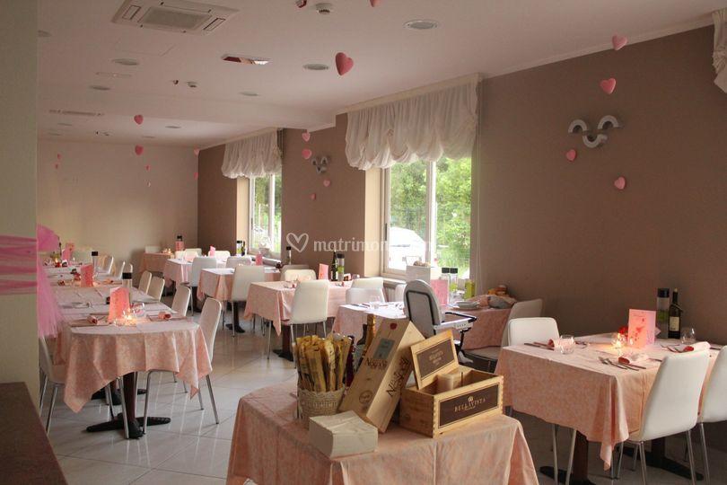 Sala ristorante in rosa