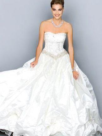 e5d45fef6310 Abito da sposa Vestito da sposa