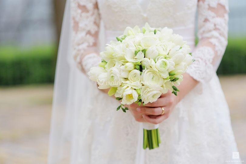 Bouquet ranuncoli e tulipani