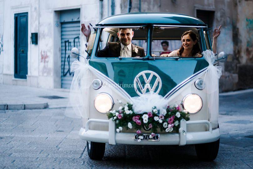 Nel pulmino Volkswagen