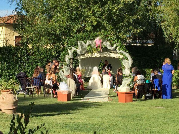 Matrimonio in giardino di Casolare dei Fiori