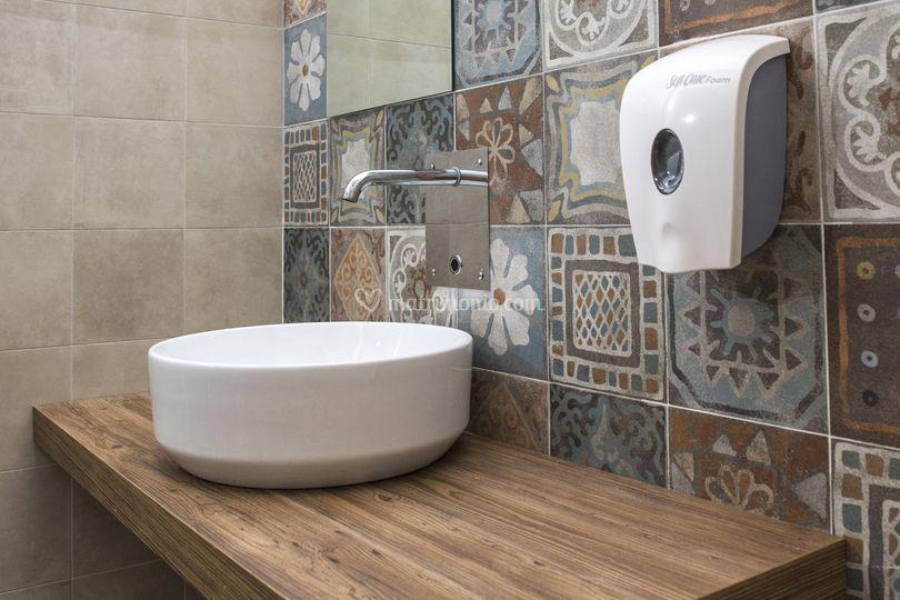 Interni Bagni. Good Arredo Bagno Moderno E Laundry Space With ...