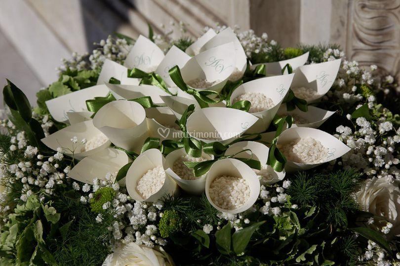 Conetti porta riso di fiori e piante graziella foto 10 - Porta riso matrimonio ...