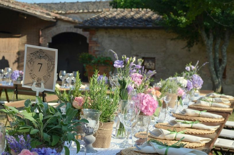 Country Chic wedding Garden