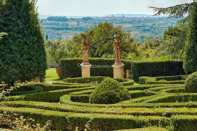 Italian Garden..very romantic!