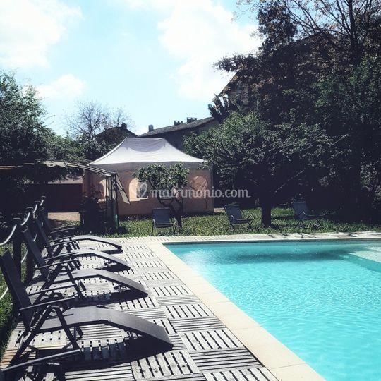 Zona banchetti in piscina