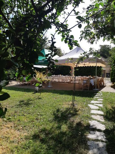 Matrimonio country in piscina