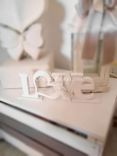 Centro tavola in ceramica love