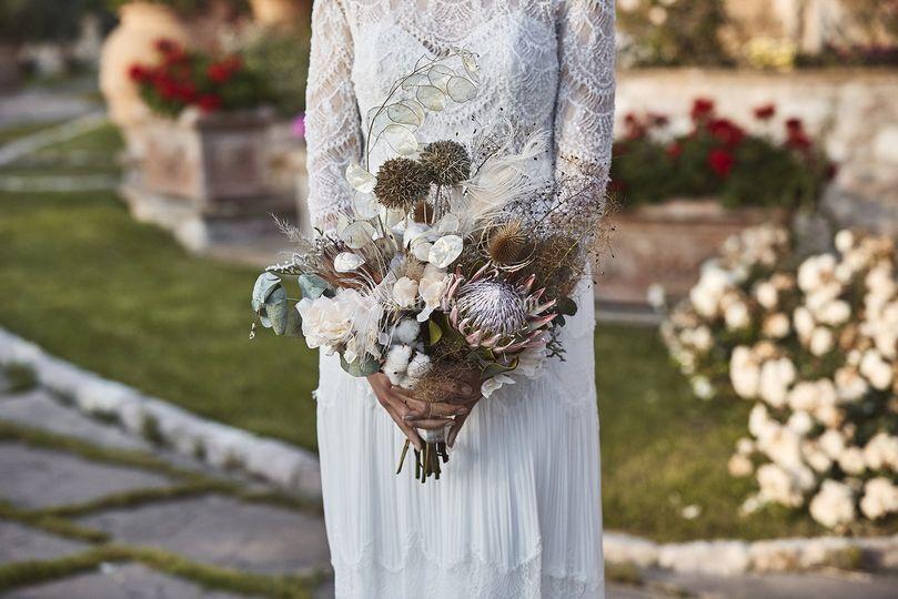 Bouquet and lace _Colcaprile