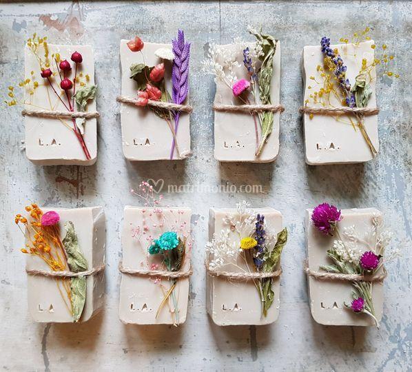 Sapone botanico con iniziali