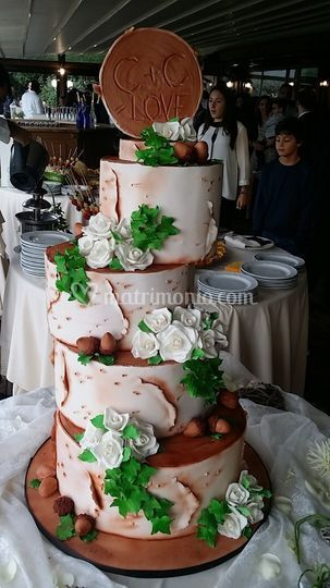 Wood wedding cake