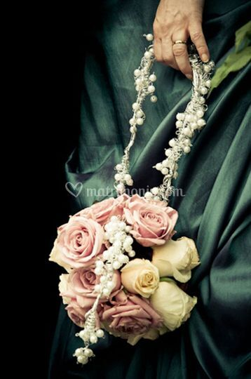 Bouquet tondo a borsetta