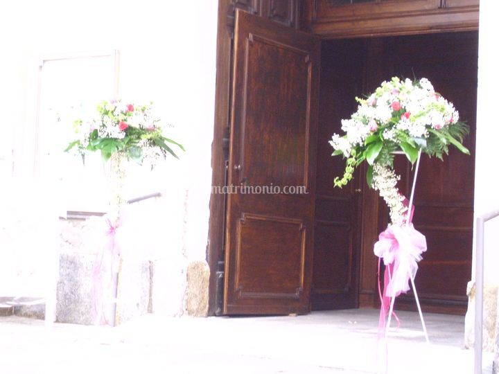 Composizione ingresso chiesa