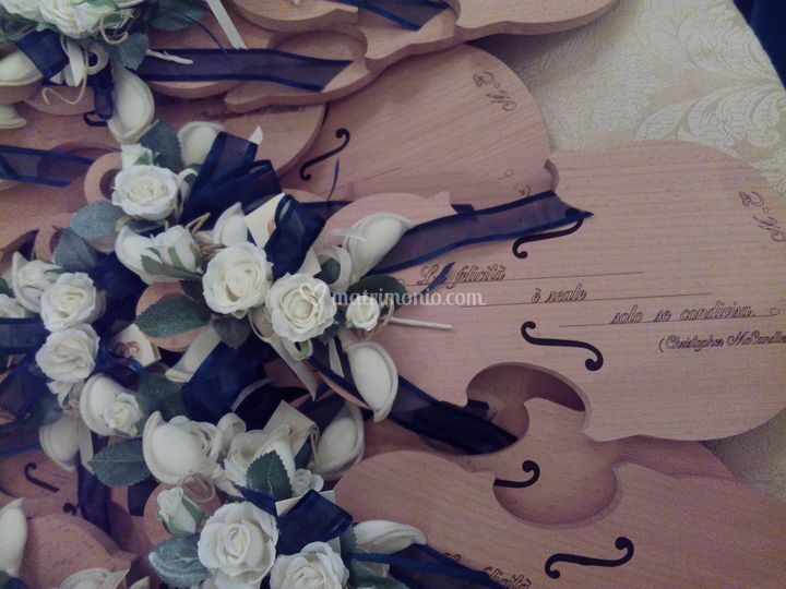 Tagliere violino in legno